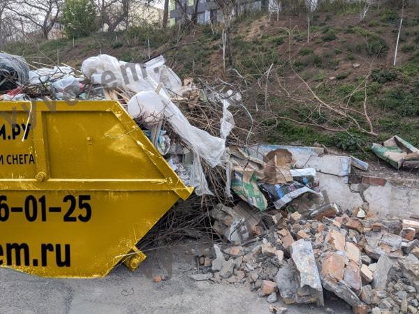 Бункер для вывоза мусора на полигон